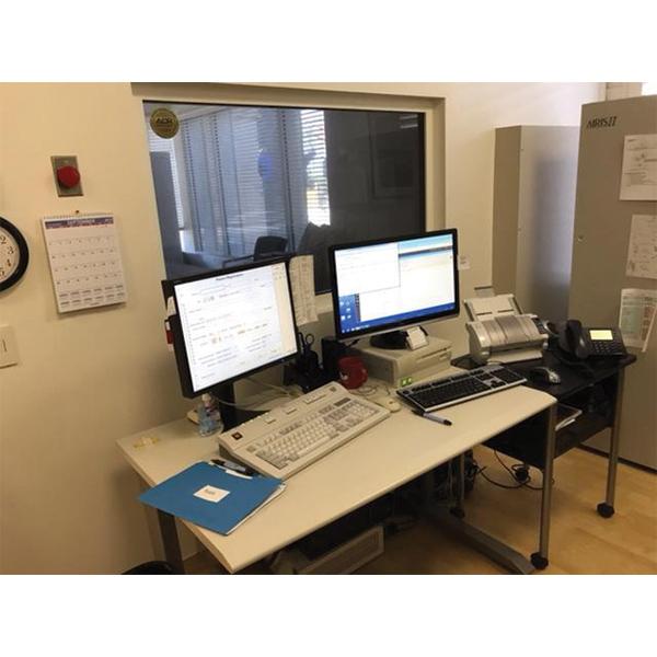 MRI Scanner – Airis 2 12